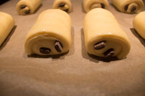 Pains au chocolat dorés