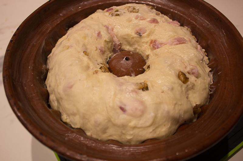Pâte à kougelhopf dans le moule