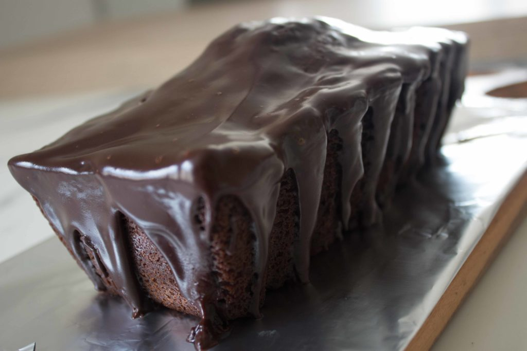 Cake au chocolat avec glaçace